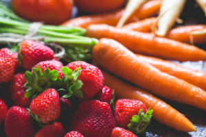 Fresh Breakfast: Strawberries & Carrots